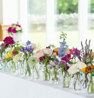 Do your wedding flowers have a hidden message? Find out with our guide!