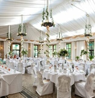White Wedding Special! Creating The Look With Cakes, Flowers & Venue Styling