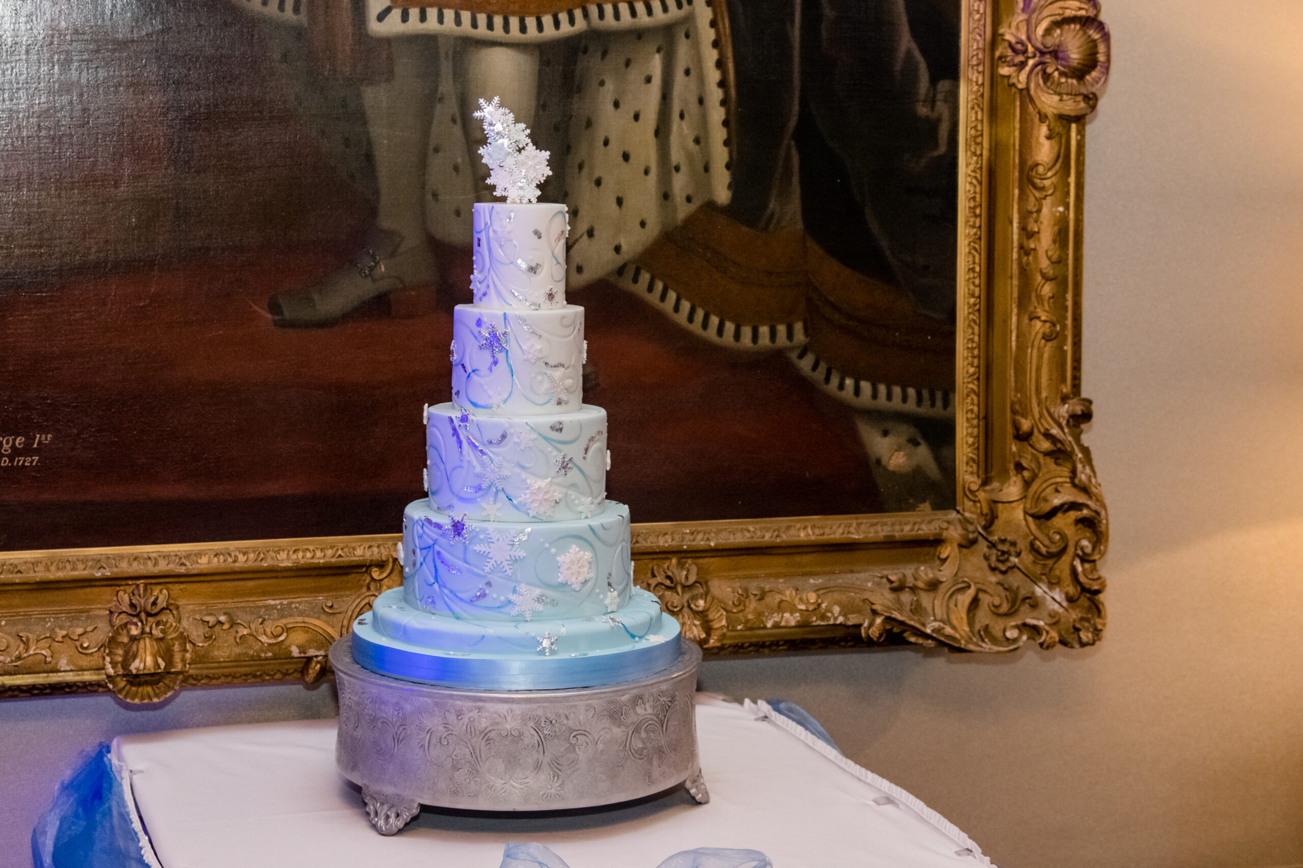 Top Tips For Choosing Your Wedding Cake From The Vintage Cake Fairy