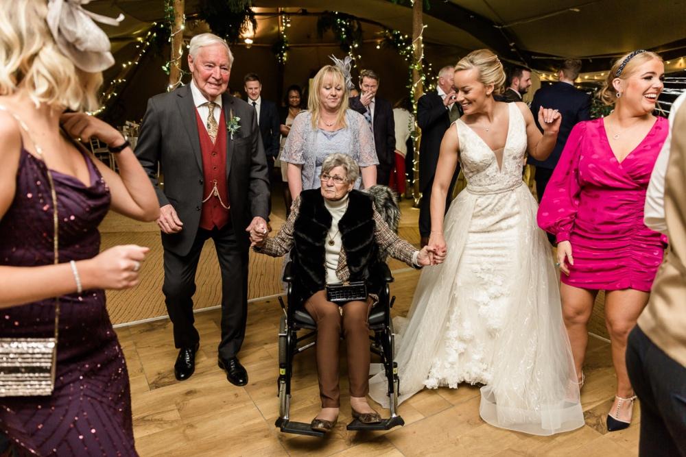 Lara_Frost_Photography_The_Star_Inn_wedding-1066