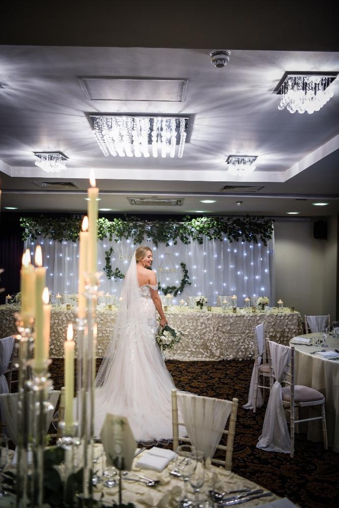 Clarion Hotel - Belle Bridal Magazine Venue Guest List - Casablanca Photography