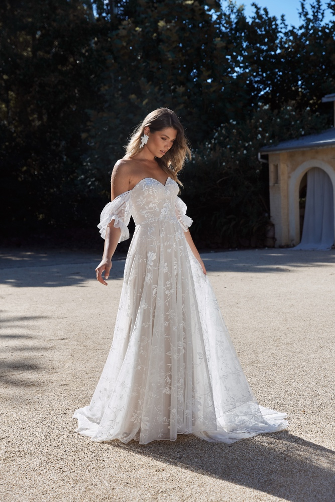 DUSK_EY256_SWEETHEART STRAPLESS ALINE LACE WEDDING DRESS WITH DETACHABLE OFF THE SHOULDER STRAPS_EVIE YOUNG BRIDAL 311