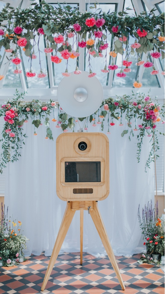 Viva La Booth - Belle Bridal Magazine Supplier Guest List