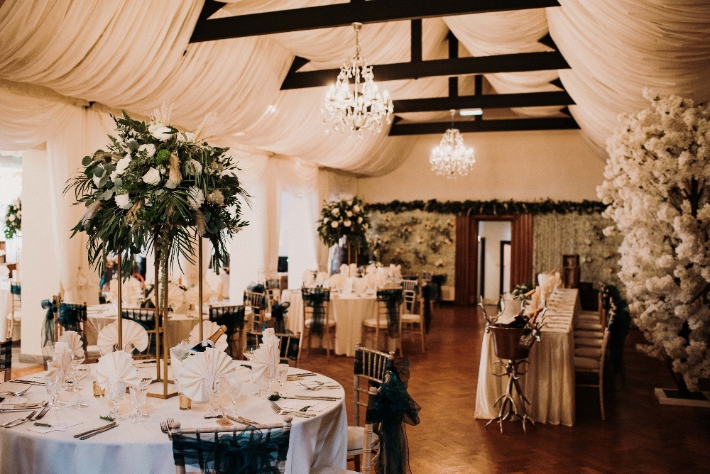 Green-Gold-Elegance-Wedding-at-Sneaton-Castle-107