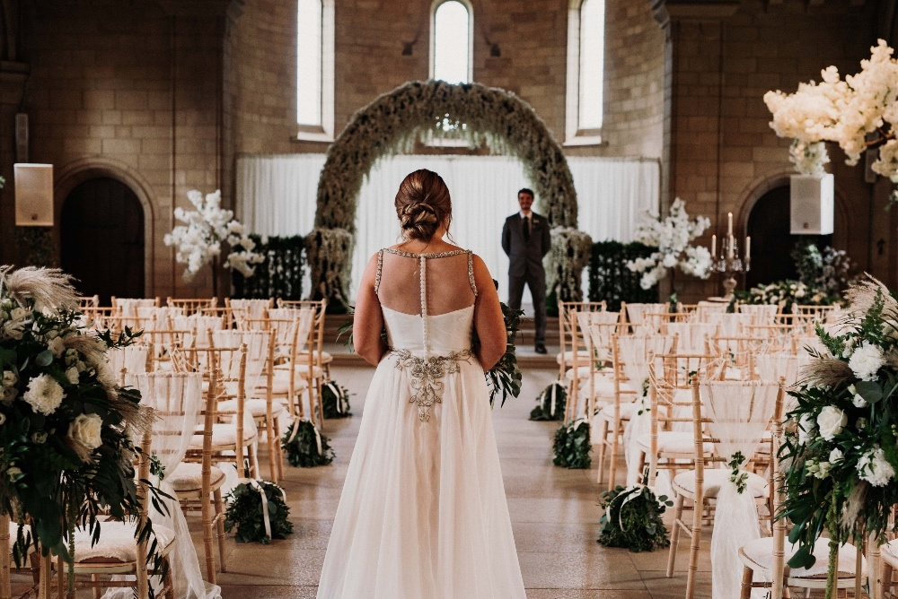 Green-Gold-Elegance-Wedding-at-Sneaton-Castle-17