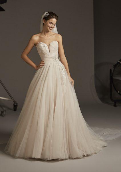 LACERTA, Gown by Pronovias