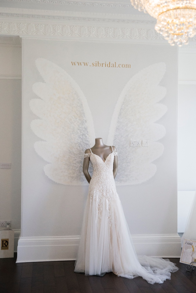 Lee-Scullion-Si-Bridal-Belle-Bridal_0003