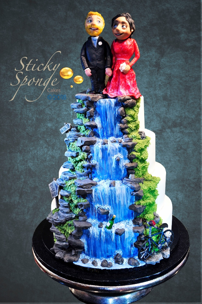 Waterfall wedding cake 1