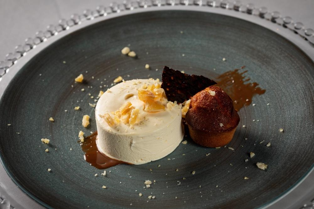 Charlton Hall, Dessert – Parfait - Baileys, almond financier, nougatine - Stephen Beecroft Photography